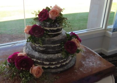 Naked cake/ floral decoration