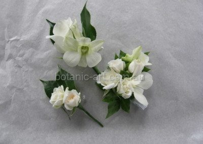 corsages, white